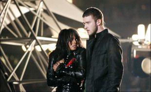 Les chanteurs Janet Jackson et Justin Timberlake lors du «Nipplegate» pendant le Super Bowl de 2004
