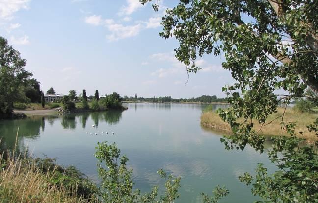 La base de loisirs de la Ramée, à cheval sur les communes de Toulouse et Tournefeuille.