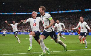Harry Kane donne l'avantage à l'Angleterre face au Danemark en demi-finale de l'Euro, le 7 juillet 2021.