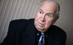 Le maire de La Bastide-de-Bousignac (Ariège), qui s'enorgueillit d'être le co-doyen des maires de France, rend son écharpe après plus de 65 ans de mandat à cause d'un litige avec le préfet.