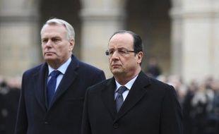 Le président François Hollande perd 5 points de popularité en un mois avec 26% de satisfaits de son action, tandis que son Premier ministre Jean-Marc Ayrault en perd 3 points à 28%, selon le baromètre de l'action politique Ipsos/Le Point publié lundi.