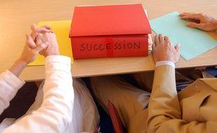 Dossier de succession chez le notaire, illustration.
