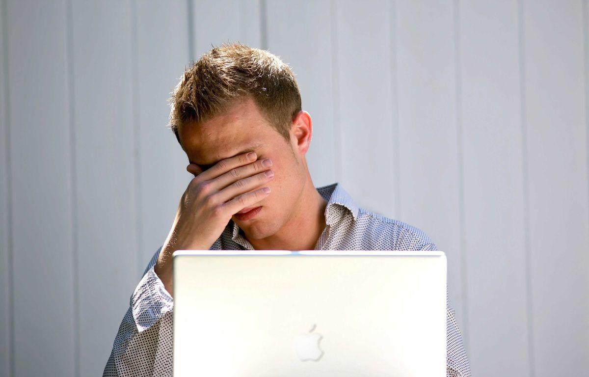 Illustration sur le stress et la dépression au travail. – CLOSON/ISOPIX/SIPA