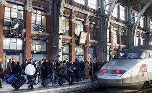 Illustration d'un TGV en gare de Lille Flandres.