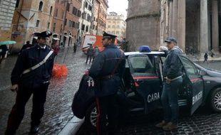Une bombe artisanale a explosé dans la nuit de jeudi à vendredi à proximité d'une église gérée par la France, à quelques heures de la visite de François Hollande au Vatican.