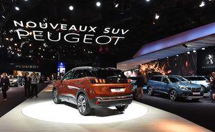 La Peugeot 3008, présentée au Salon mondial de l'automobile de Paris 2016.