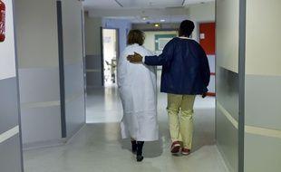 Les syndicats hospitaliers s'alarment de la dégradation des conditions de travail dans les établissements privés et publics.