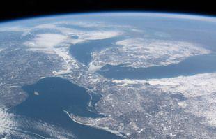 Grands Lacs sans glace d'hiver.