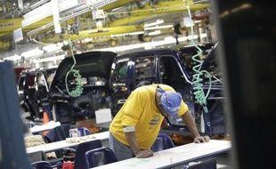De solides créations d'emplois dans le secteur privé aux Etats-Unis et d'autres indicateurs économiques encourageants sur la conjoncture ont constitué mercredi un bon augure avant les chiffres du chômage du gouvernement américain vendredi.