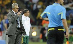 Javier Aguirre, le sélectionneur de l'équipe du Mexique, lors du premier match de la Coupe du monde, contre l'Afrique du Sud, le 11juin 2010.
