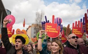 Des Berlinois ont défilé ce 22 octobre contre l'entrée de l'extrême droite au Parlement.