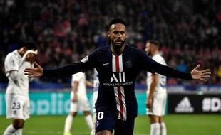 Neymar s'est montré décisif en toute fin de rencontre ce dimanche. JEFF PACHOUD