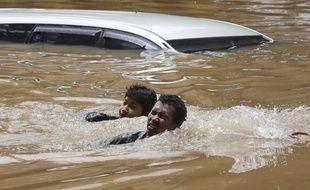 Jakarta (Indonésie) est touché par de graves inondations le 20 février 2021