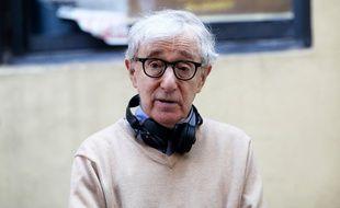 Le réalisateur Woody Allen sur le tournage d'Un jour de pluie à New York