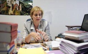 Mme Prévost-Desprez s'était saisie d'un supplément d'information après avoir renvoyé le procès pour abus de faiblesse visant M. Banier sine die le 1er juillet, à la suite de la publication des enregistrements clandestins réalisés au domicile de la milliardaire.