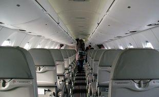 Illustration de l'intérieur d'un avion.