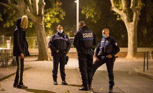 Lors d'un contrôle de la police municipale de Toulouse dans le cadre des restrictions prises lors de la crise sanitaire.