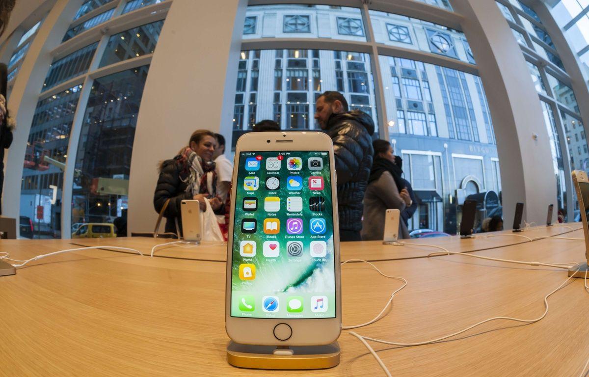 Un ingénieur a construit un iPhone avec des pièces détachées  – Richard B. Levine/NEWSCOM/SIPA