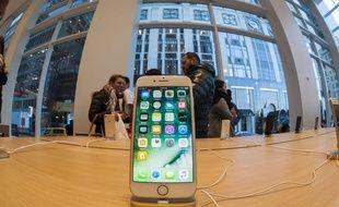 Un ingénieur a construit un iPhone avec des pièces détachées