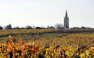 Annulé en 2008, le nouveau classement des grands crus de Saint-Emilion, révisable tous les dix ans, est attendu avec anxiété par les 96 candidats alors que vont débuter les inspections et dégustations de l'INAO qui rendra sa décision pour la récolte 2012.