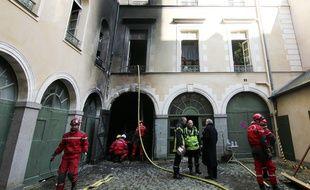 Les pompiers interviennent pour un incendie survenu dans le centre historique de Rennes. Ici en 2017.