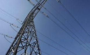 Un pylône électrique a haute tension