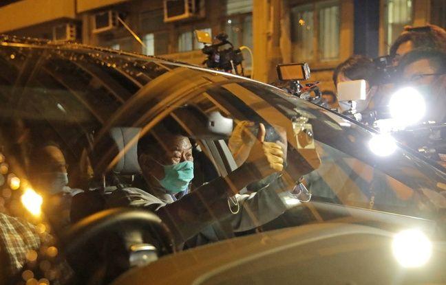 Hongkong: Le patron de presse Jimmy Lai, libéré sous caution, appelle ses journalistes à «se battre»