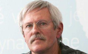 Philippe Stabler, président de l'Association vosgienne des surirradiés de l'hopital d'Epinal (AVSHE), pendant la conférence de presse de la ministre de la Santé, Roselyne Bachelot, le 13 septembre 2007.