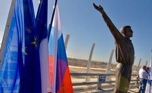 Échanges commerciaux et coopérations de toutes sortes sont au menu de l'amitié franco-russe, symbolisée ici par l'inauguration de la statue de Youri Gagarine, que tente de réactiver la ville de Montpellier