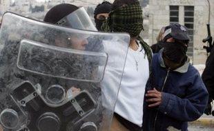 Des heurts entre lanceurs de pierres palestiniens et police israélienne ont toutefois éclaté après les prières dans plusieurs quartiers, a constaté un photographe de l'AFP.