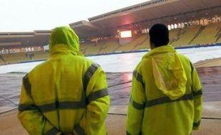 Les intempéries dans le Sud ont également eu raison de la pelouse du stade Louis II et du match Monaco-Bordeaux.