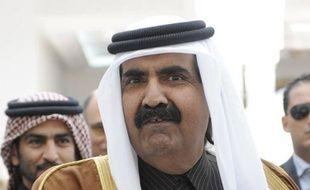 """L'émir du Qatar s'est dit favorable à l'envoi de troupes arabes en Syrie afin de """"mettre fin à la tuerie"""" dans le pays, secoué depuis dix mois par une révolte populaire réprimée dans le sang, la première prise de position de ce type d'un dirigeant arabe."""
