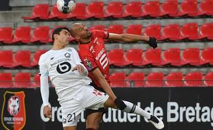 Nzonzi et André au duel lors du match Rennes Lille.