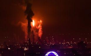 Total annonce ce dimanche 31 mars que la torche nord de la raffinerie de Feyzin devrait à nouveau dégager d'importantes émanations de fumées noires.