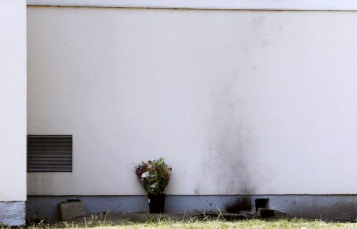La plainte déposée par la famille d'un salarié de France Télécom qui s'est immolé par le feu en avril 2011 sur son lieu de travail à Mérignac (Gironde) a été rejetée, et la procédure a été jointe à une autre à Paris, a indiqué dimanche la famille qui appelle à manifester lundi contre cette décision. – Patrick Bernard afp.com