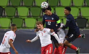 Jules Koundé lors de France-Danemark en ouverture de l'Euro Espoirs, le 25 mars 2021.