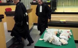 Les preuves utilisées durant le procès de Jacques Rançon, photographiées le 5 mars 2018.