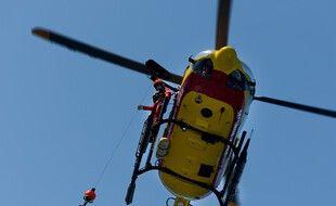 Le patron du navire de pêche a été hélitreuillé par l'hélicoptère Dragon 33