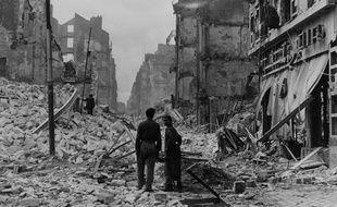 La rue du Calvaire après les bombardements de septembre 1943.