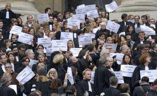 Des avocats manifestent le 16 octobre 2015 en face du Palais de justice de Paris contre la réforme de l'aide juridictionnelle