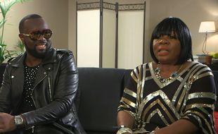 Maître Gims et sa mère, dans «Maître Gims à cœur ouvert», diffusé sur W9.
