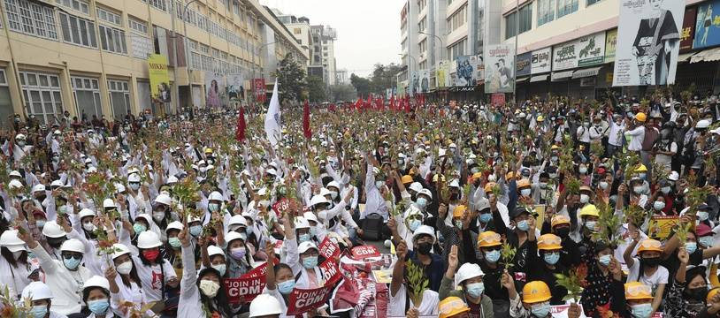 Manifestation géante en Birmanie