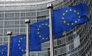 Des drapeaux européens devant le siège de la Commission à Bruxelles, en 2014