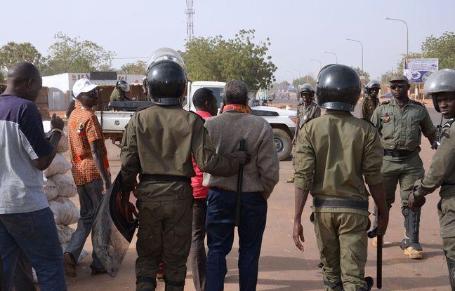 A Niamey et Zinder, des émeutes anti-Charlie Hebdo ont fait dix morts au Nige
