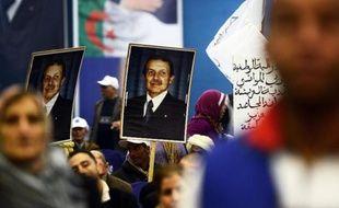 Des partisans d'Abdelaziz Bouteflika sont rassemblés à Tlemcen le 7 avril 2014
