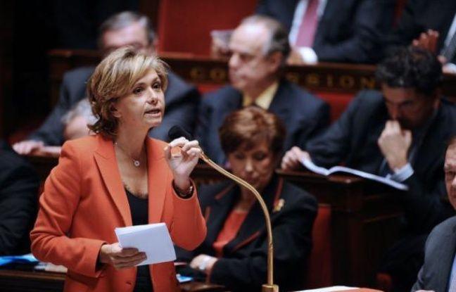 Les députés ont voté dans la nuit de mardi à mercredi l'instauration d'une journée de carence pour les fonctionnaires lors d'un arrêt maladie, dans le cadre de l'examen du budget 2012.