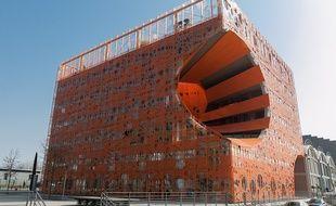 Le «Cube Orange» de Lyon Confluence a beaucoup choqué au départ avant d'être vanté par tous les guides touristiques lyonnais.