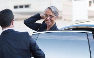 Elisabeth Borne arrive à Matignon pour le conseil des Ministres hebdomadaire, le 17 octobre 2018.