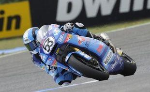 Un pilote moto allemand âgé de 15 ans est mort samedi des suites d'un accident sur le circuit d'Oschersleben.