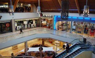 Depuis le début de la crise financière qui touche très fortement l'Islande, la fréquentation du centre commerciale Kringlan est en baisse.